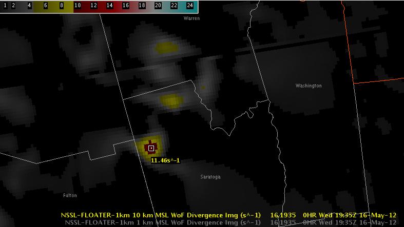 3DVAR 10km Divergence valid 2012-05-16 1935 UTC